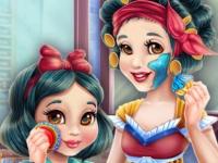 Флеш игра Макияж для Белоснежки и ее доченьки