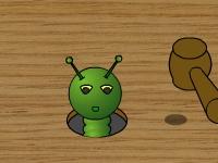 Флеш игра Ударь гусеницу